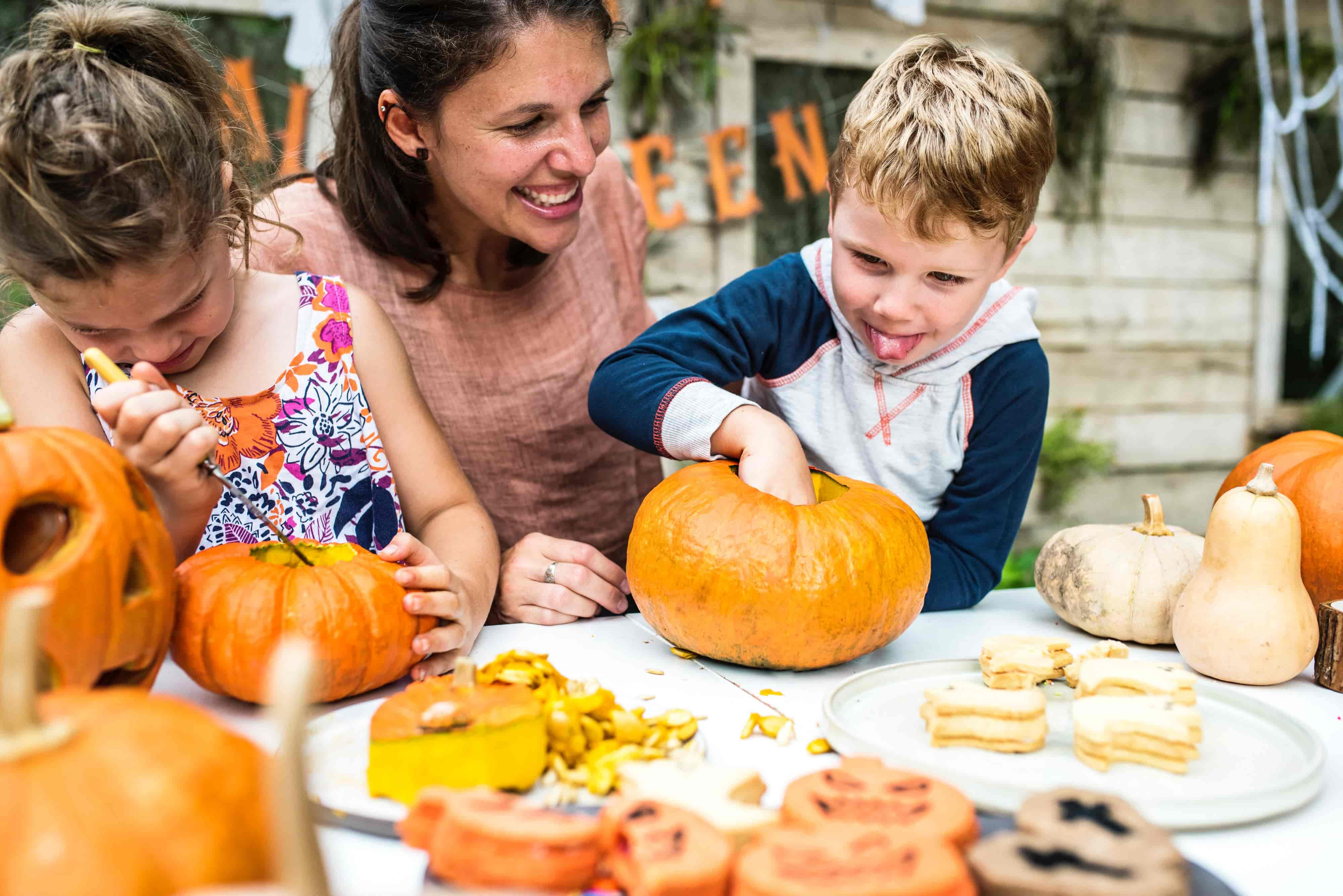 Throw an Awesome Fall Party-Outside!